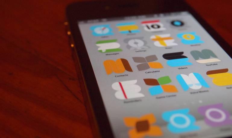 "Aplicaciones de citas: Revelan que ""app"" de citas gais Grindr compartió datos de VIH de usuarios"