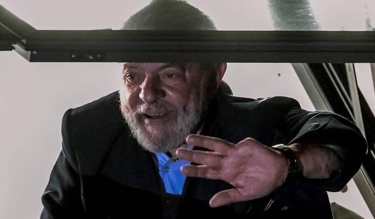 Primera noche de prisión de Lula en Brasil: Lula pasa primera noche en prisión bajo estricta seguridad
