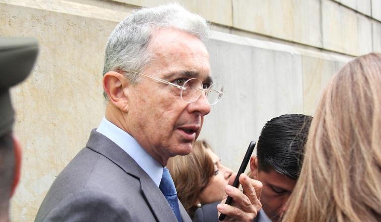 Justicia colombiana ratifica fallo para investigar a Uribe