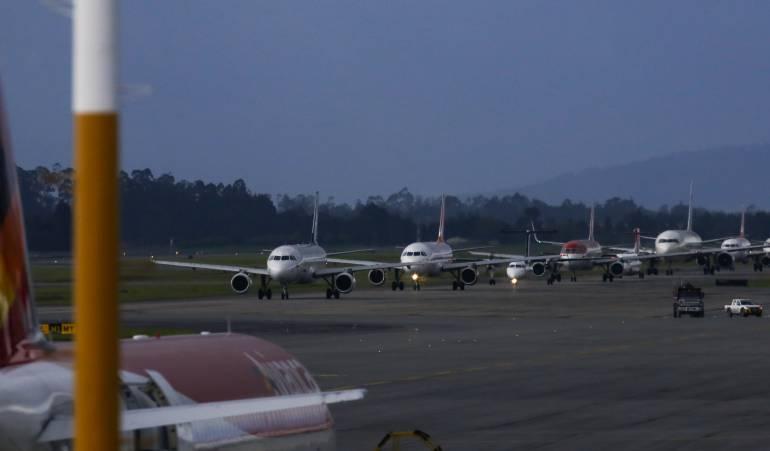 Suspensión de operaciones de aerlíneas de venezuela en Panamá: Panamá anuncia la suspensión de las operaciones de aerolíneas venezolanas