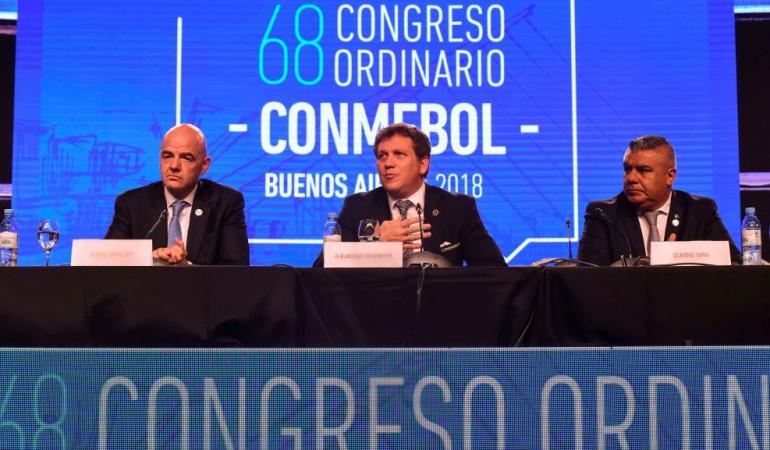 Conmebol Mundial 2030: Conmebol apoya la candidatura de Canadá, México y USA para el Mundial 2026
