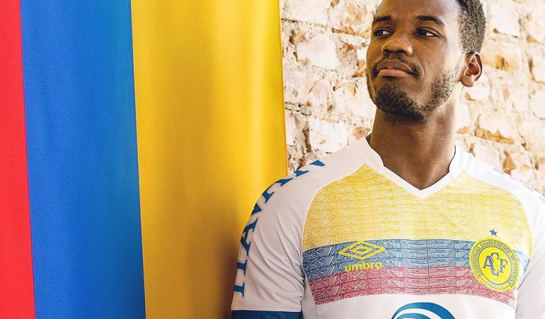 Chapecoense camiseta Colombia: Chapecoense lanzó una camiseta en homenaje a Colombia
