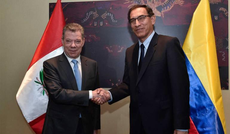 Juan Manuel Santos y su homólogo Martín Vizcarra