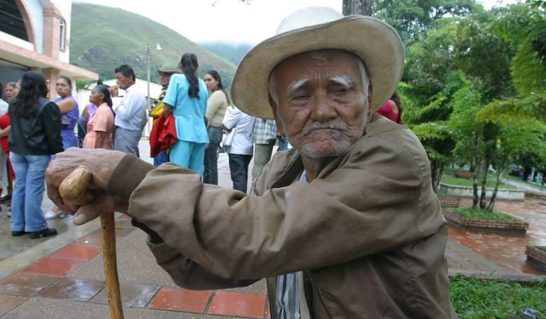Aumento en edad de Jubilación: Comisión del gasto público recomendó subir la edad de jubilación