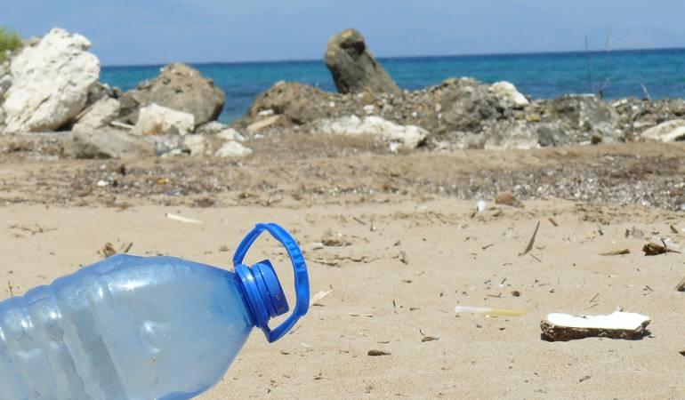 Día de la Tierra: Los mares tienen plásticos suficientes para envolver 400 veces la Tierra
