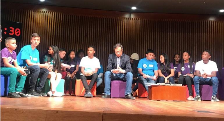 Niñez en los temas de los candidatos a la presidencia: Encuentro de niños y adolescentes con candidatos a la presidencia
