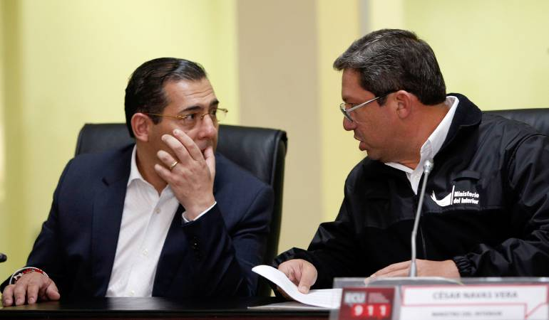 Renuncian los ministros del Interior y de Defensa en Ecuador