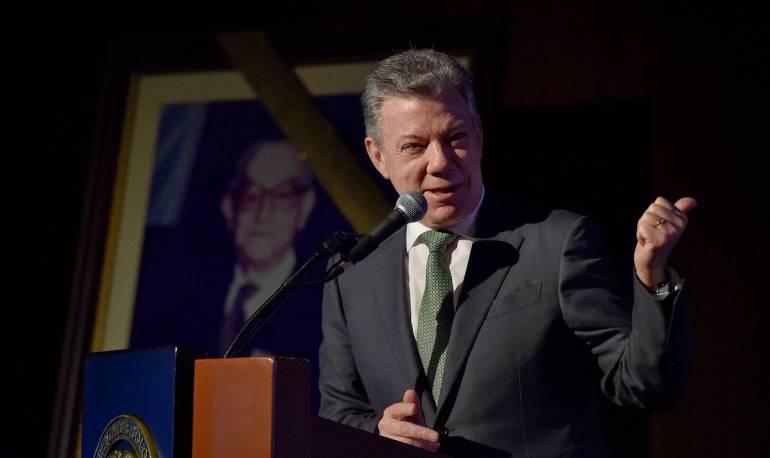 Santos anuncia transformación en el Icetex