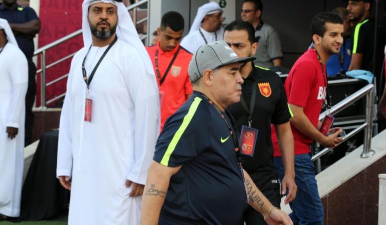 Maradona deja club Emiratos Árabes: Maradona abandonó el club que dirigía en Emiratos Árabes tras no ascender