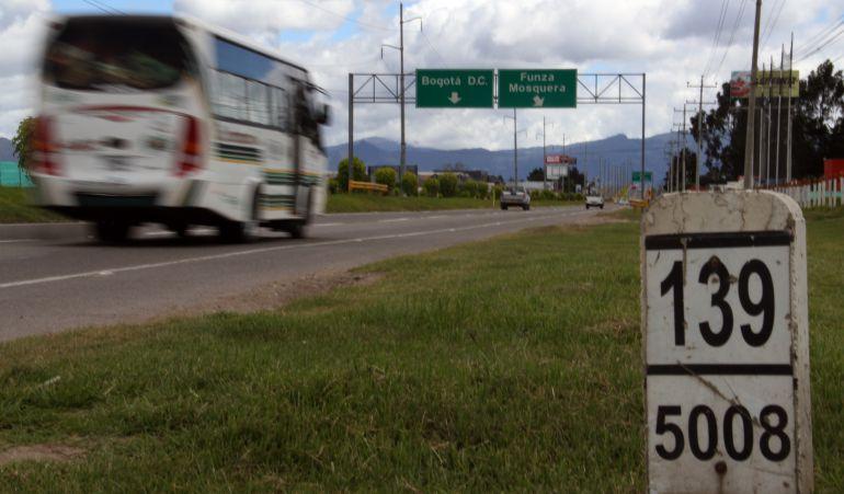 Ola invernal estado carreteras puente festivo: Las lluvias afectan 25 vías del país en este puente festivo: Gr. Castrillón