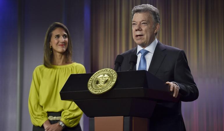 """Cumplimiento a Maestros Santos """"A los maestros del país les hemos cumplido"""" Santos"""