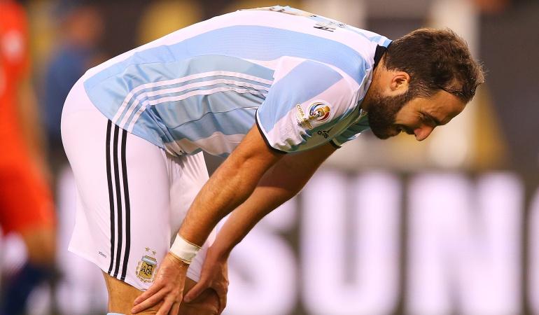 Higuaín Selección Argentina fútbol retirada: Estuve a punto de dejar el fútbol, pero no lo hice por mi mamá: Higuaín