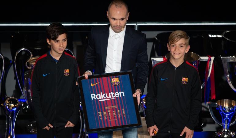 Barcelona Andrés Iniesta: Barcelona se despide de Iniesta con un acto de agradecimiento