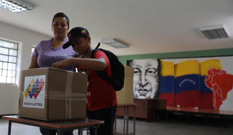 Elecciones Venezuela: EE.UU. rechaza elecciones en Venezuela y considera sanciones petroleras