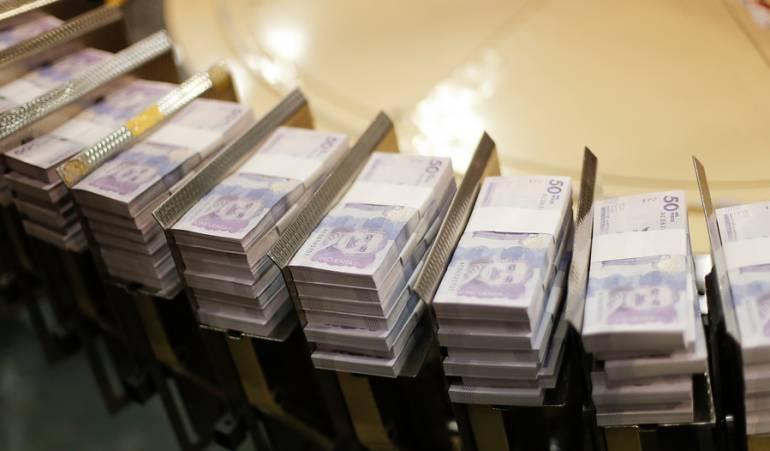 Billetes Circulación: Circulación de billetes de $100.000 y $50.000 no se ha suspendido