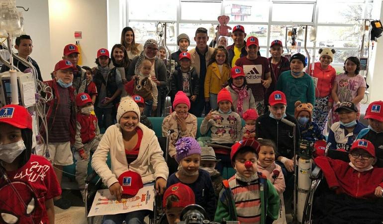 James Rodríguez Bogotá: El corazón del 10: James compartió con niños enfermos de cáncer en Bogotá