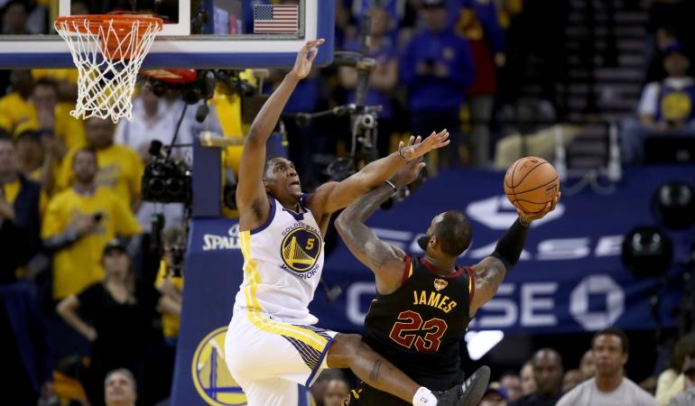 NBA: Los Warriors pegan primero en final de la NBA