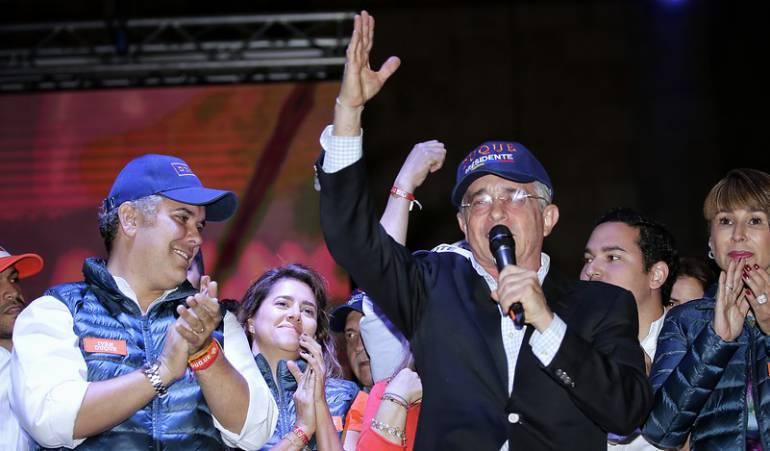 Álvaro Uribe presente en el cierre de campaña de Iván Duque.