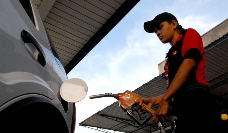 ¿Cuánto subió la gasolina?: Suben los precios de la gasolina y del acpm en Colombia