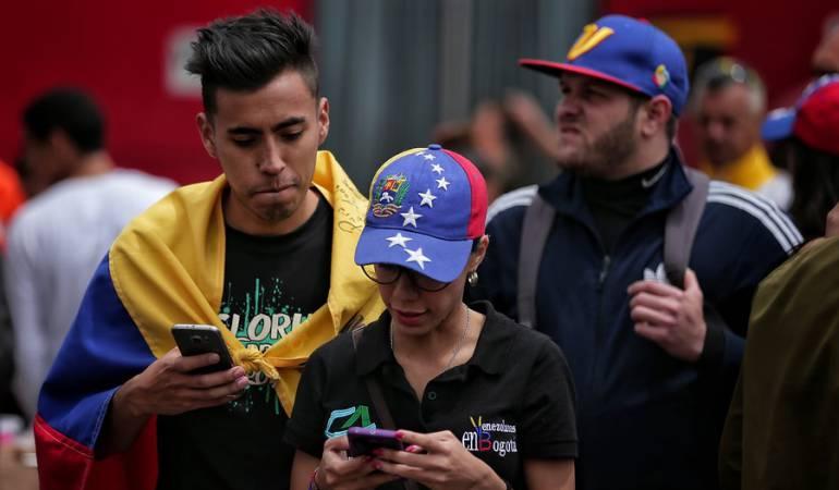 Imagen de archivos de unos ciudadanos venezolanos en Colombia.