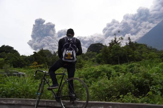 Volcán de Fuego: Tragedia en Guatemala: 62 muertos y 1,7 millones de afectados por erupción