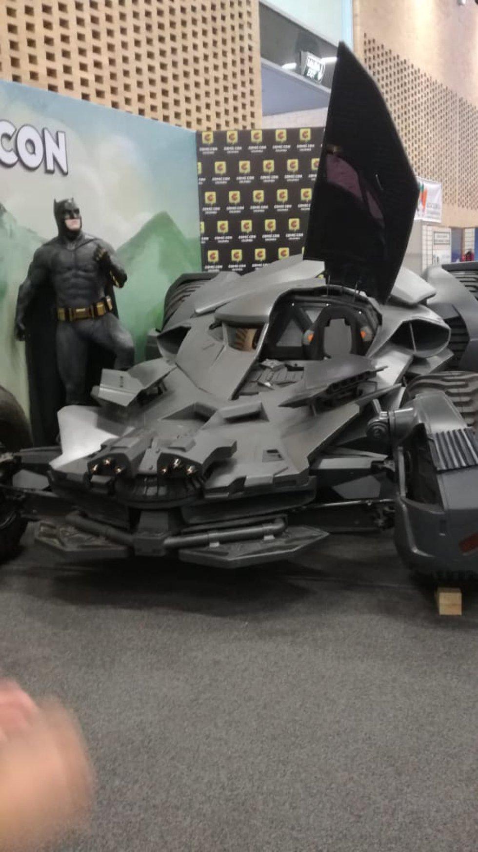 Batman y el Batimóvil