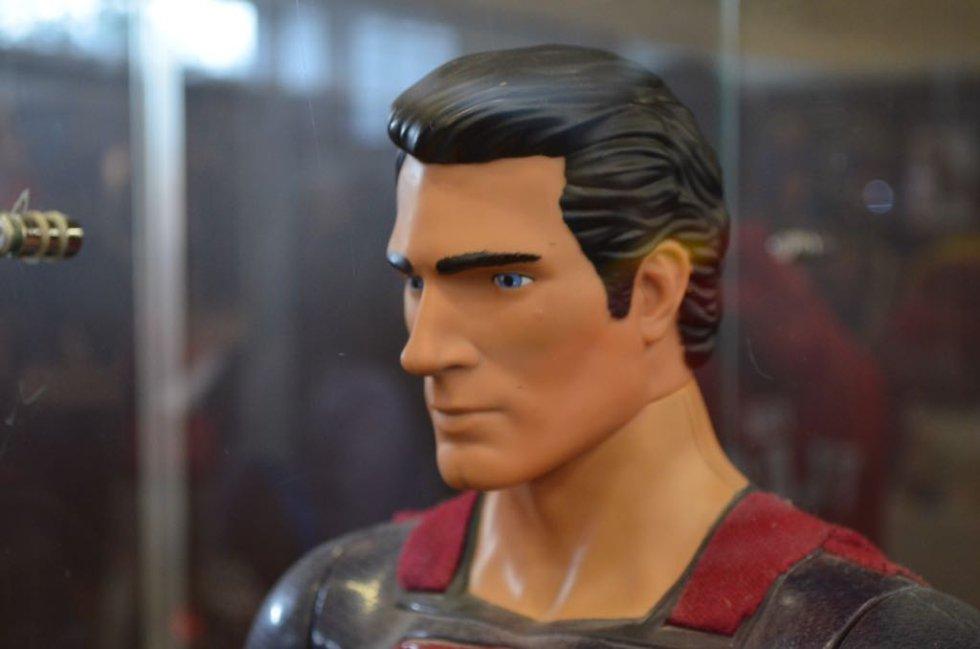 Su nombre es Clark Kent, y su profesión es el periodismo