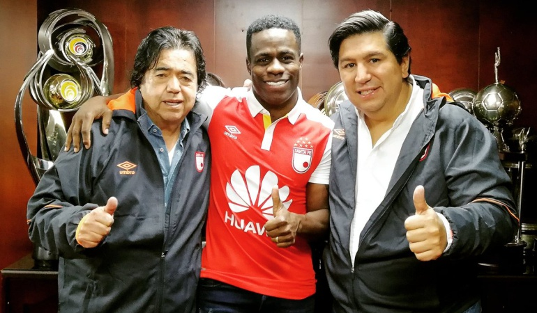 Carmelo Valencia: Carmelo Valencia es nuevo jugador de Independiente Santa Fe