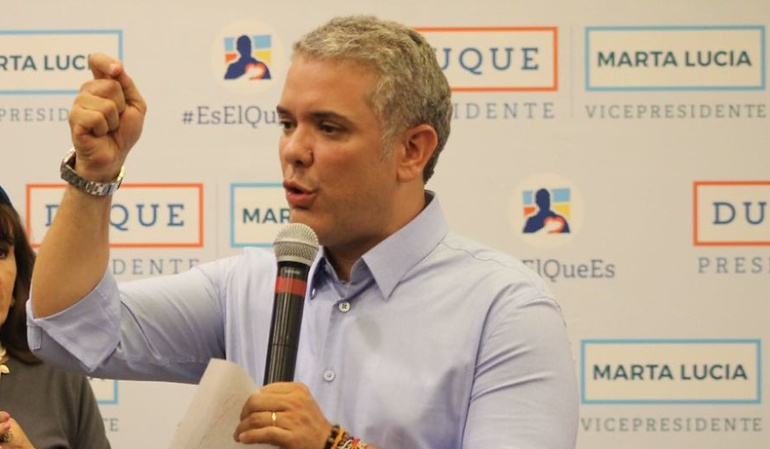 Elecciones presidenciales: Periódico El Tiempo apoya a Iván Duque. Petro responde