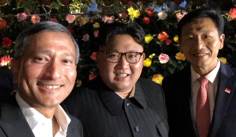 El selfie de Kim durante su paseo nocturno por Singapur