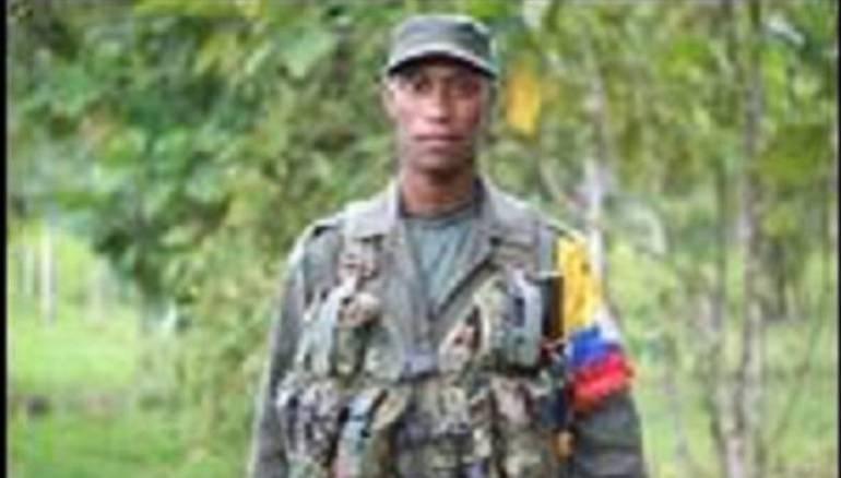 disidencias de las Farc: La Fiscalía de Ecuador vincula a alias Guacho en instrucción por terrorismo