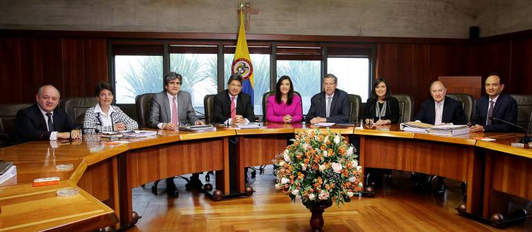 Salud a venezolanos en Colombia: Servicio de salud a venezolanos debe ir más allá de urgencias: Corte