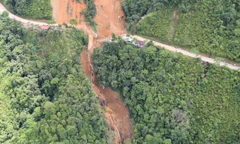 deslizamiento de tierra: Vía principal del Caquetá quedó incomunicada con el resto del país