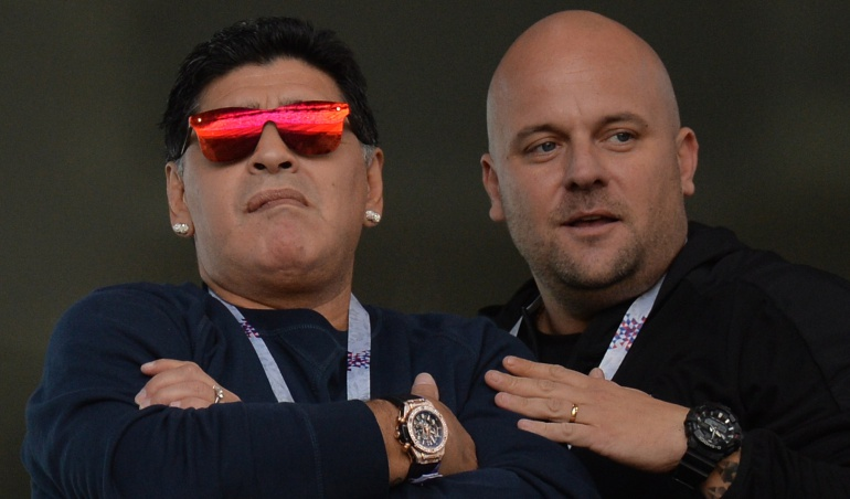 Sucesos Mundial Rusia 2018: Maradona pide excusas por fumar durante partido de Argentina