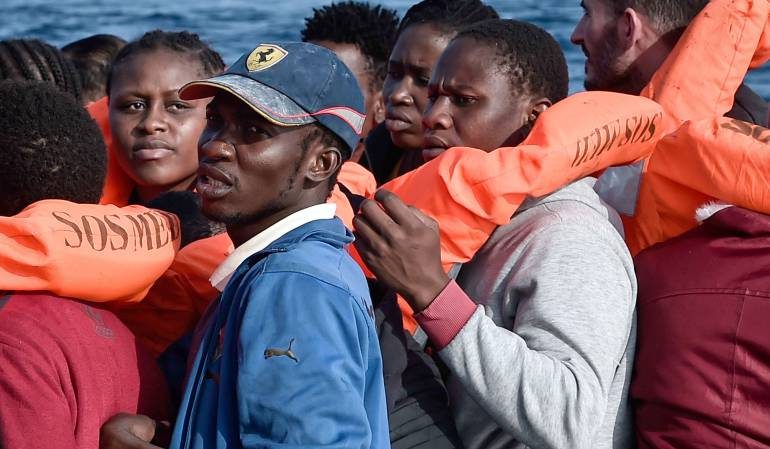 Cárcel para ayudantes inmigrantes: Hungría: hasta un año de cárcel para quienes ayuden migrantes ilegales