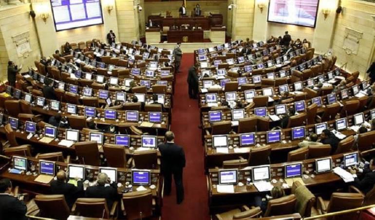 discusión Duque y Santos por la Jep: Liberales salvaron la JEP en cámara por orden de Cesar Gaviria