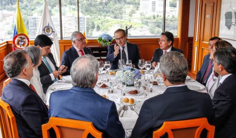 Empalme nuevo presidente de Colombia: Inició almuerzo de presidente electo Iván Duque con poder judicial