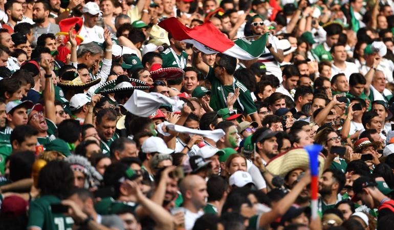 Mundial 2018 Juan Carlos Osorio: Hinchas mexicanos le cantan al 'profe Osorio' tras victoria ante Corea