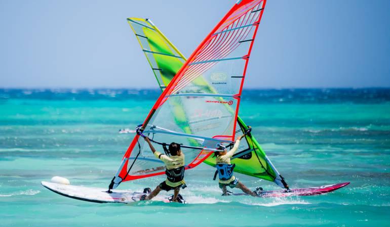 Competencia Aruba: Aruba Hi Winds: competencia y entretenimiento sobre el mar