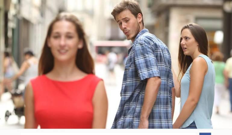 Meme del novio distraído: Ella es la famosa joven del meme del novio 'distraído'