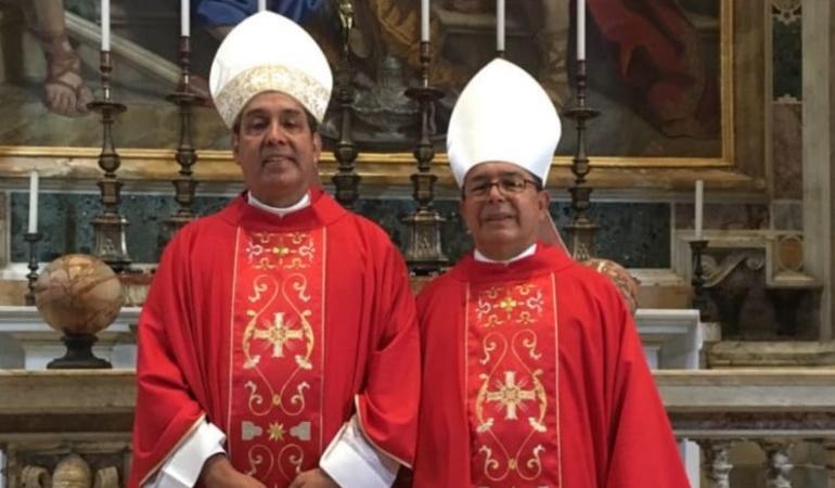 Papa Francisco y arzobispos colombianos: El Papa Francisco entregó el Palio a arzobispos colombianos