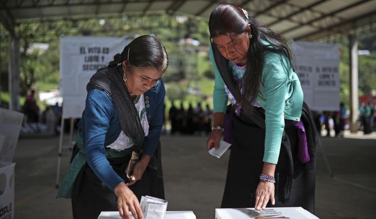 """Jornada electoral: Observadores OEA celebran armonía y afluencia """"masiva"""" en comicios mexicano"""