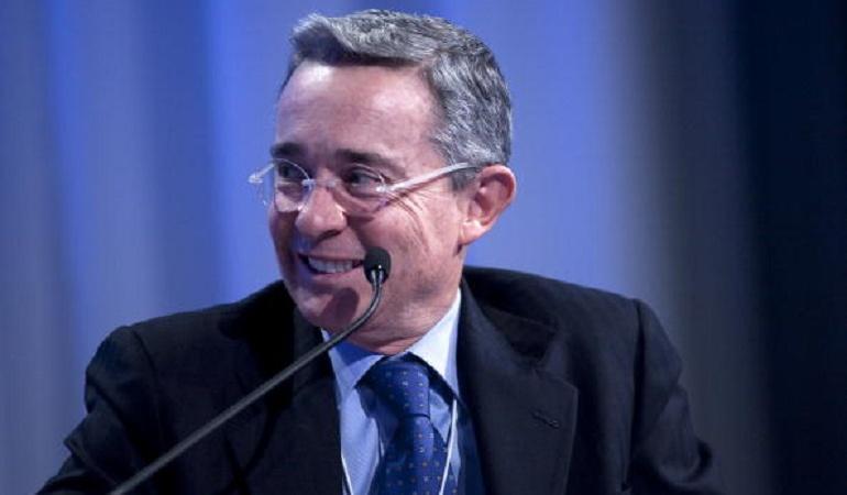 Cumpleaños Uribe: Uribe celebra su cumpleaños en familia y con un curioso pastel