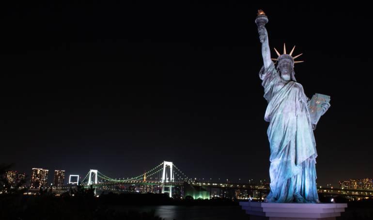 Estatua de la libertad: La protesta de una mujer que trepó la Estatua de la Libertad