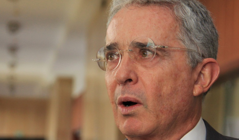 nexos Uribe Paramilitares: New York Times retoma testimonios de supuestos nexos Uribe - paramilitares