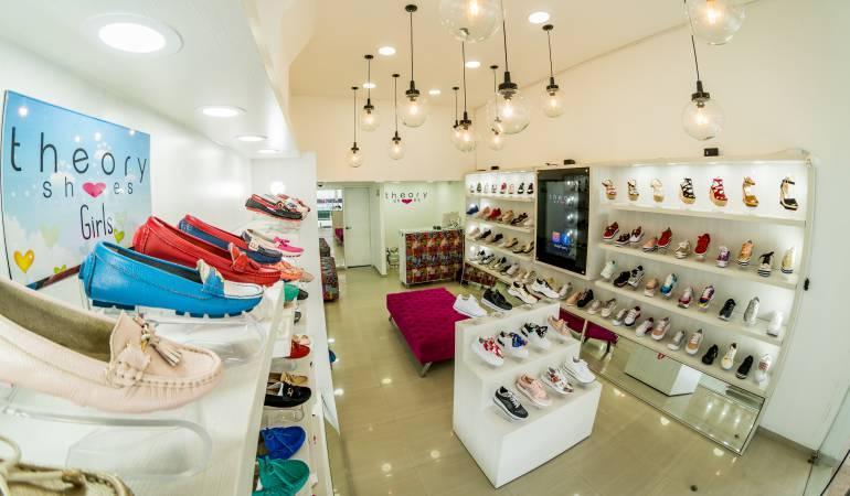 Theory, cinco puntos para el calzado femenino