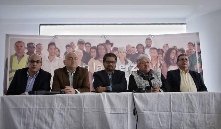 'Timochenko' y 30 guerrilleros de las FARC asisten a audiencia de paz