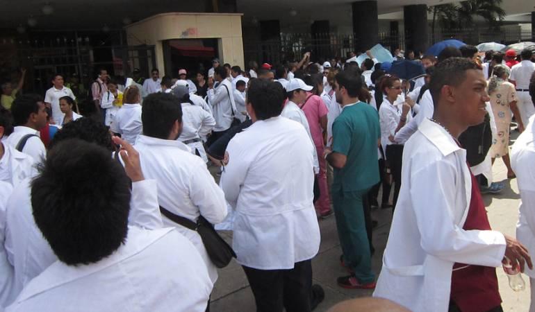 Beneficio a Residentes: Santos sancionó ley de residentes médicos