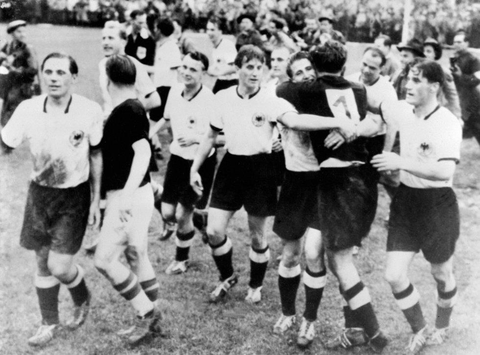 Sede: Suzia 1954 / Campeón: Alemania Federal