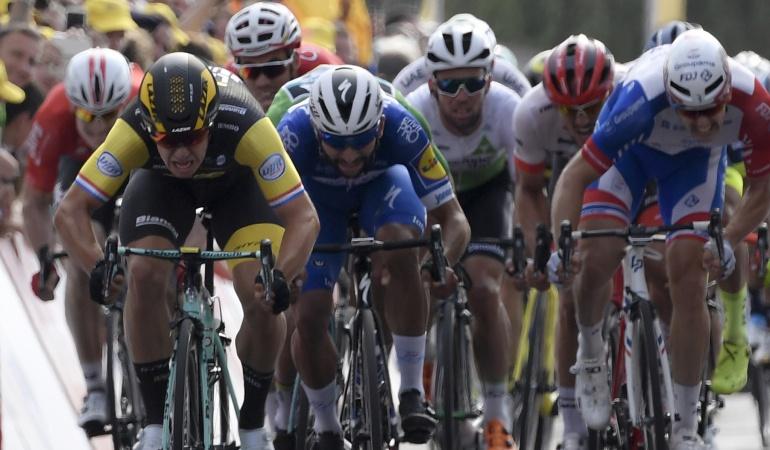 Etapa 8 Tour de Francia: Groenewegen gana el sprint y se queda con la octava etapa del Tour